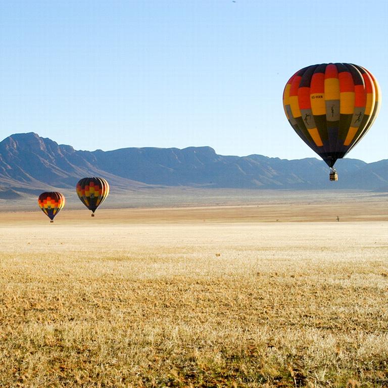 hot air ballooning - Cullinan Namibia